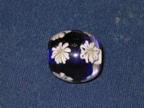 菊花のトンボ玉